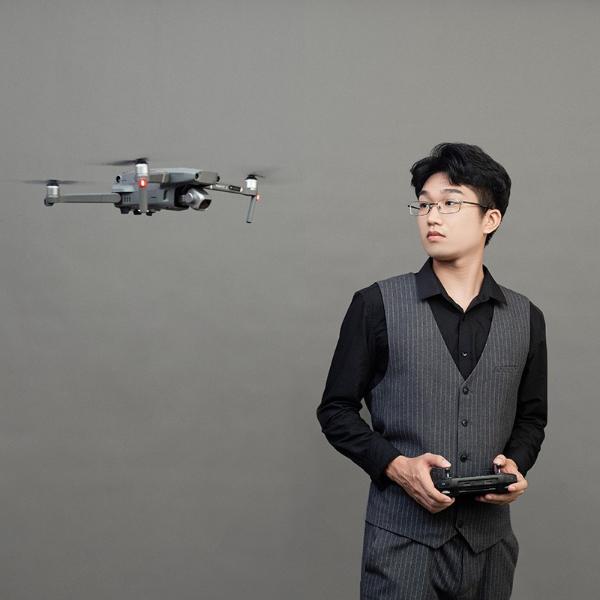 全景航拍总监-陈朗轩