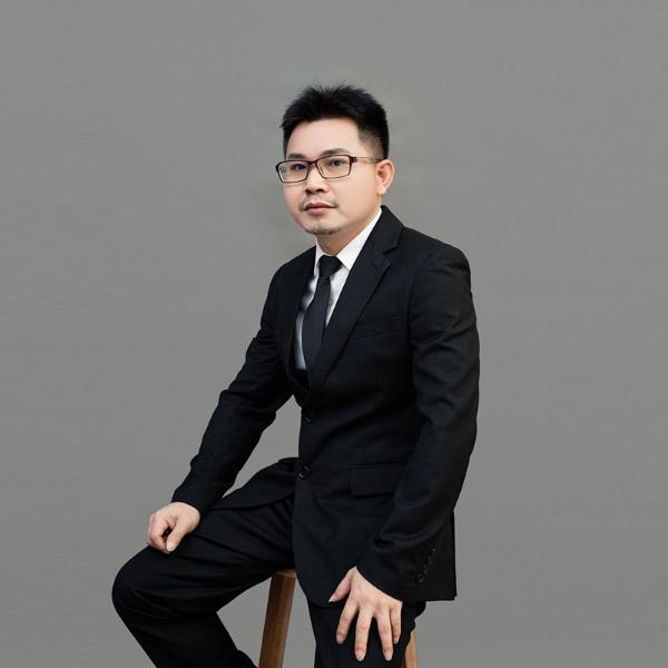 朗晟全景设计总监-王何戚